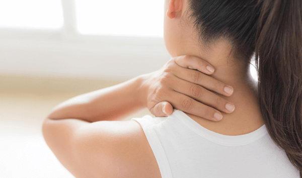 Triệu chứng đau sau ở gáy và cách massage